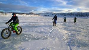 Mit den Fatbikes lassen sich hervorragend Wintertouren angehen.
