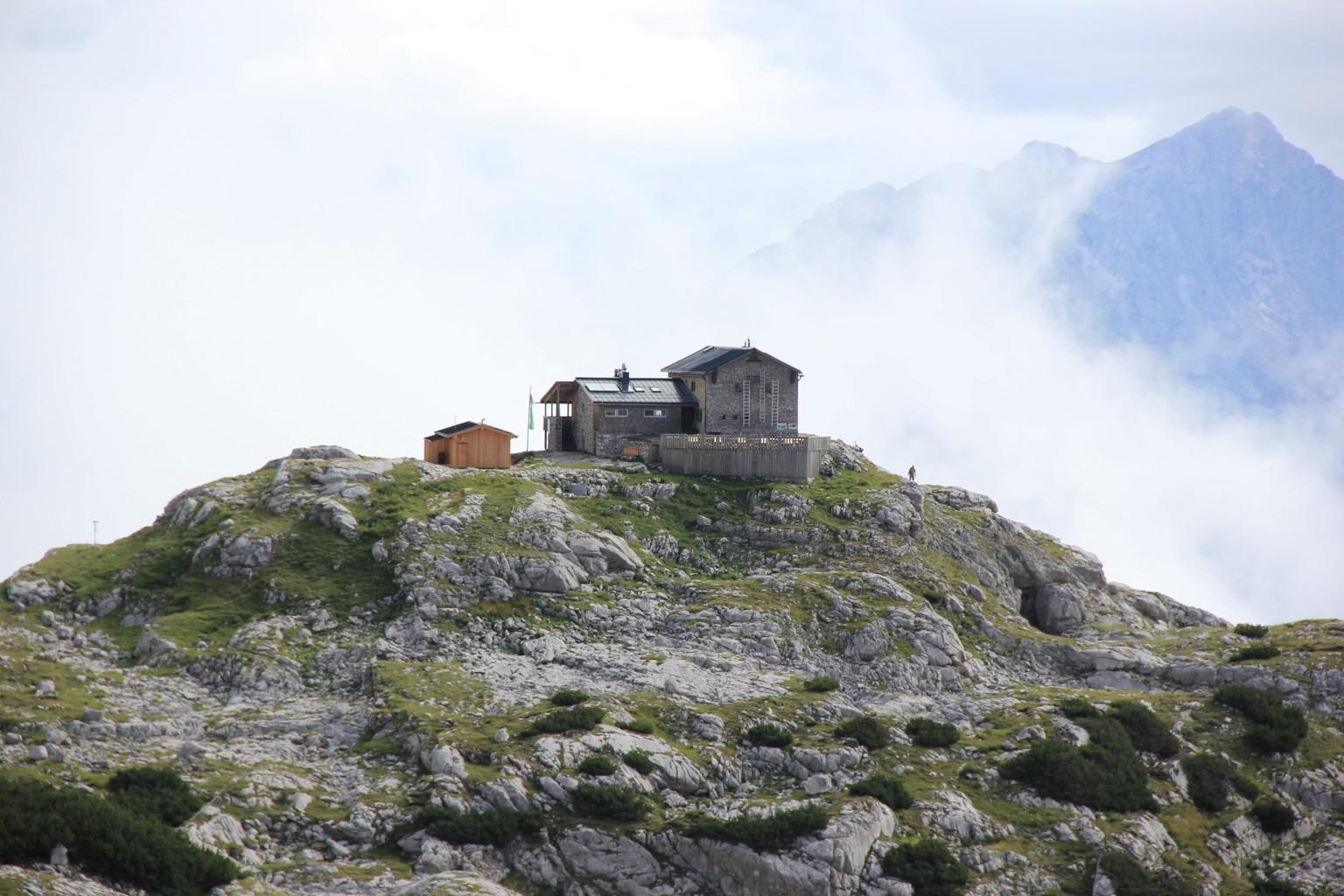 Die Schmidt-Zabierow-Hütte (1966 m)
