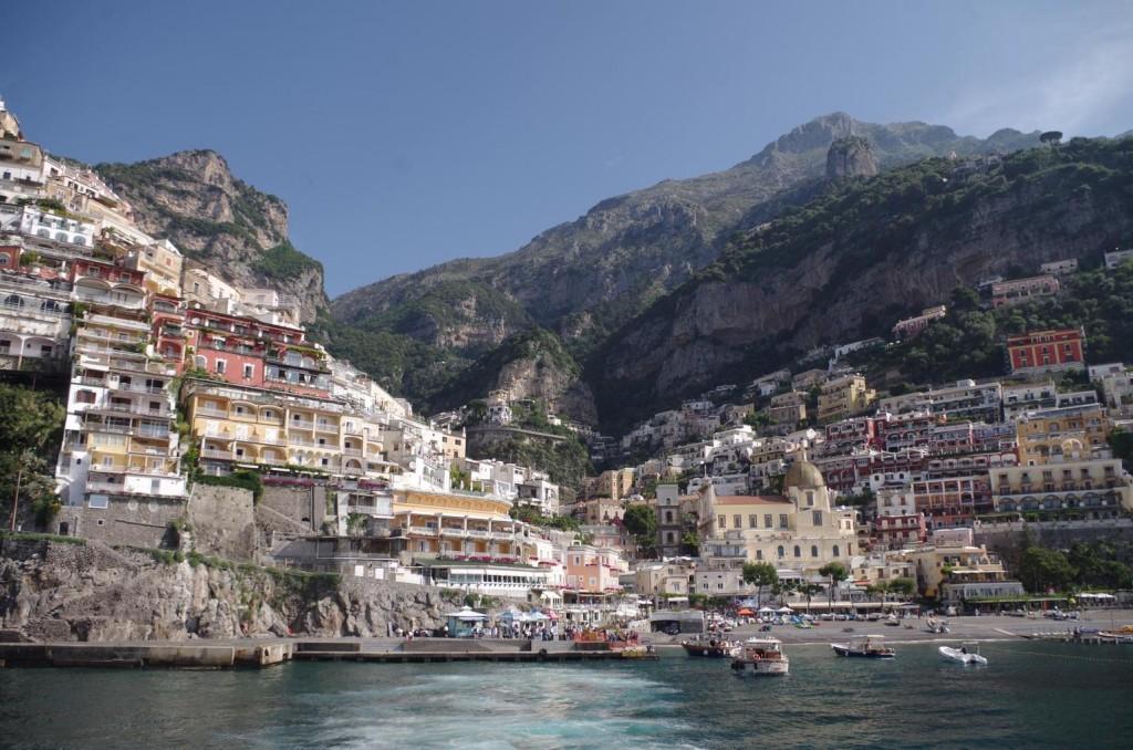 Unterwegs auf der Halbinsel von Sorrent: malerisches Städtchen Positano