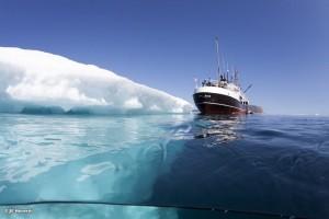 Entlang von Gletscherkanten (Foto: Jill Heinerth)