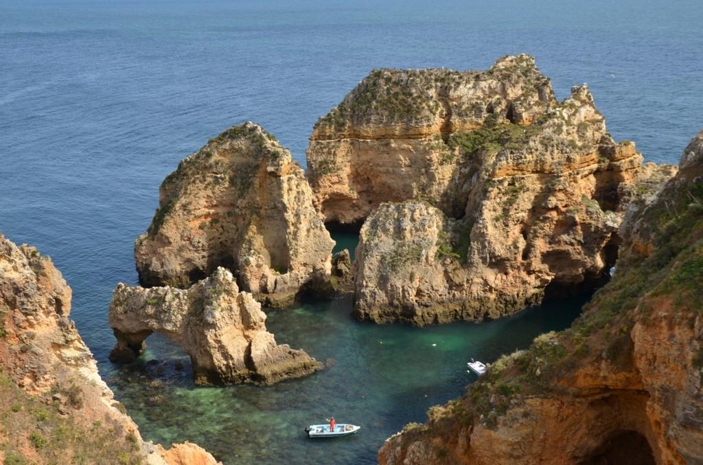 Bizarre Steilküste an der Algarve