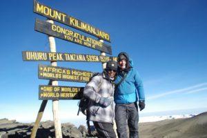 Markus auf dem Gipfel des Kilimanjaro