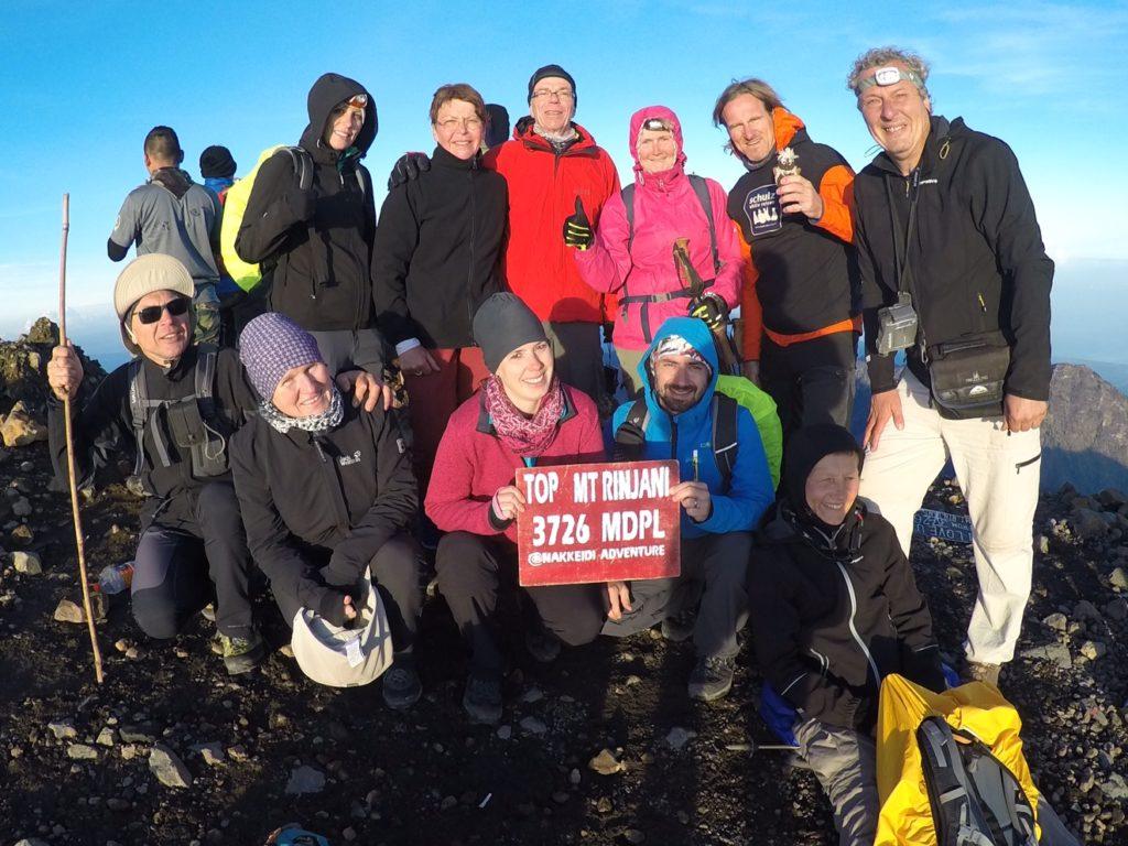 Geschafft! 11 glückliche Gipfelstürmer am Rinjani (Oktober 2016)