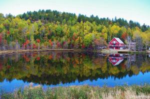 Die kanadische Provinz Quebec birgt spektakuläre Farbenvielfalt und einsame Landschaften