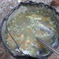 ... und die Fischsuppe schmeckt unglaublich gut!