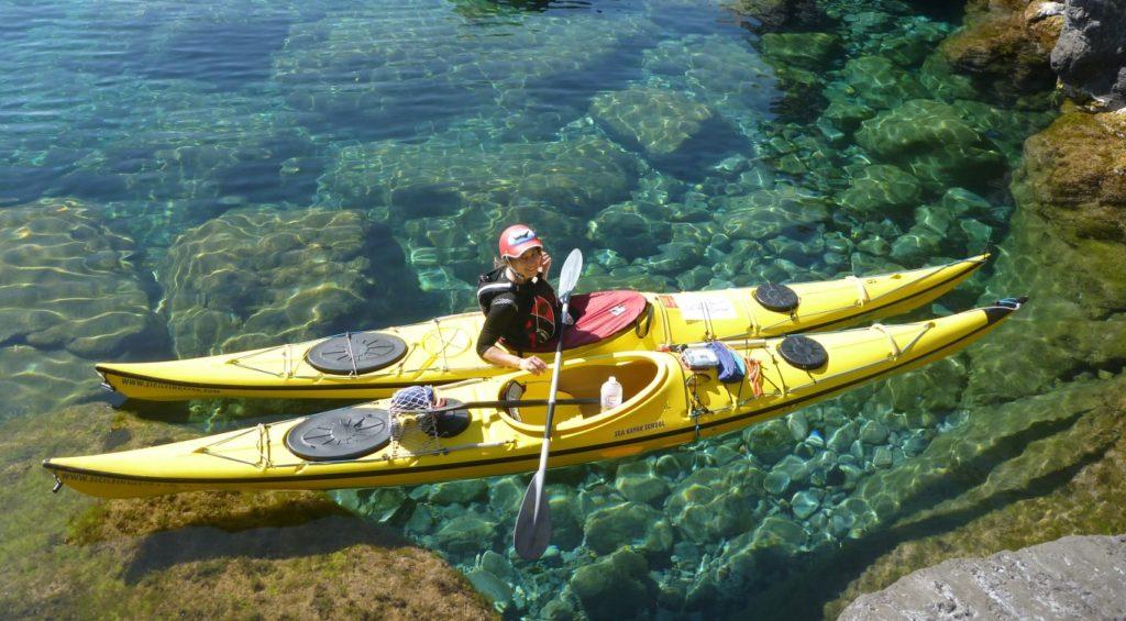 """Unterwegs mit dem Kajak vor der """"Schwefelinsel"""" Vulcano im Norden Siziliens"""