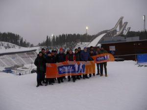 Unsere Reisegruppe im WM-Stadion von Lahti, Start und Ziel des Finlandia Hiihto