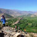 Grüne Täler und karge Berge – dieser Kontrast macht den Hohen Atlas so besonders