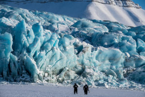 ©-Spitzbergen Reisen-Gletscher im Winter_www