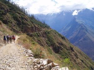 Der erste Trekkingtag beginnt mit vielversprechenden Ausblicken