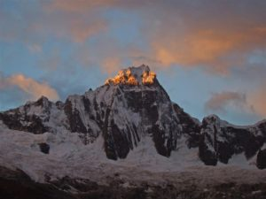 Der Santa-Cruz-Trek führt vier Tage durch die Weiße Kordillere
