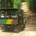 Per LKW geht es zur Wanderung rund um Topes de Collantes