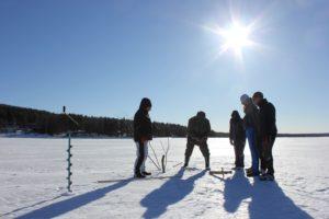 Eisangeln mit einem waschechten Finnen!