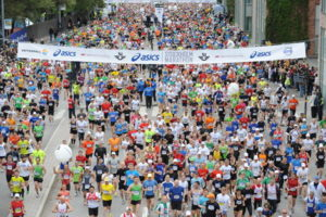 Start des Marathons am Olympiastadion Stockholm