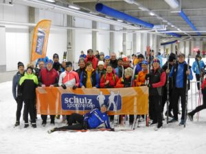 Lustige Runde zum traditionellen Ski-Opening