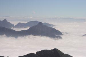 Über den Wolken - Blick vom Gipfel des Fansipans, des höchsten Berges Vietnams mit 3143m