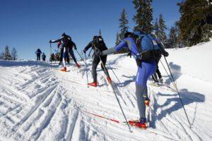 Beim Birkebeiner ist ein Rucksack für jeden Skiläufer Pflicht ...