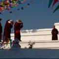Mönche am Bodnath von Kathmandu
