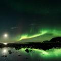 Polarlichter im Mondschein