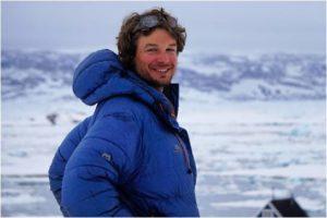 Alexander lebte und arbeitete seit 2008 immer wieder in Norwegen (Finse). Seit 2013 lebt er fest in Oslo, guidet Skiexpeditionen und Bergtouren in der ganzen Welt.