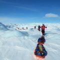Genießen Sie die endlose Weitere bei der Überquerung des grönländischen Inlandeises.