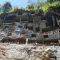 Die Felsengräber der Toraja