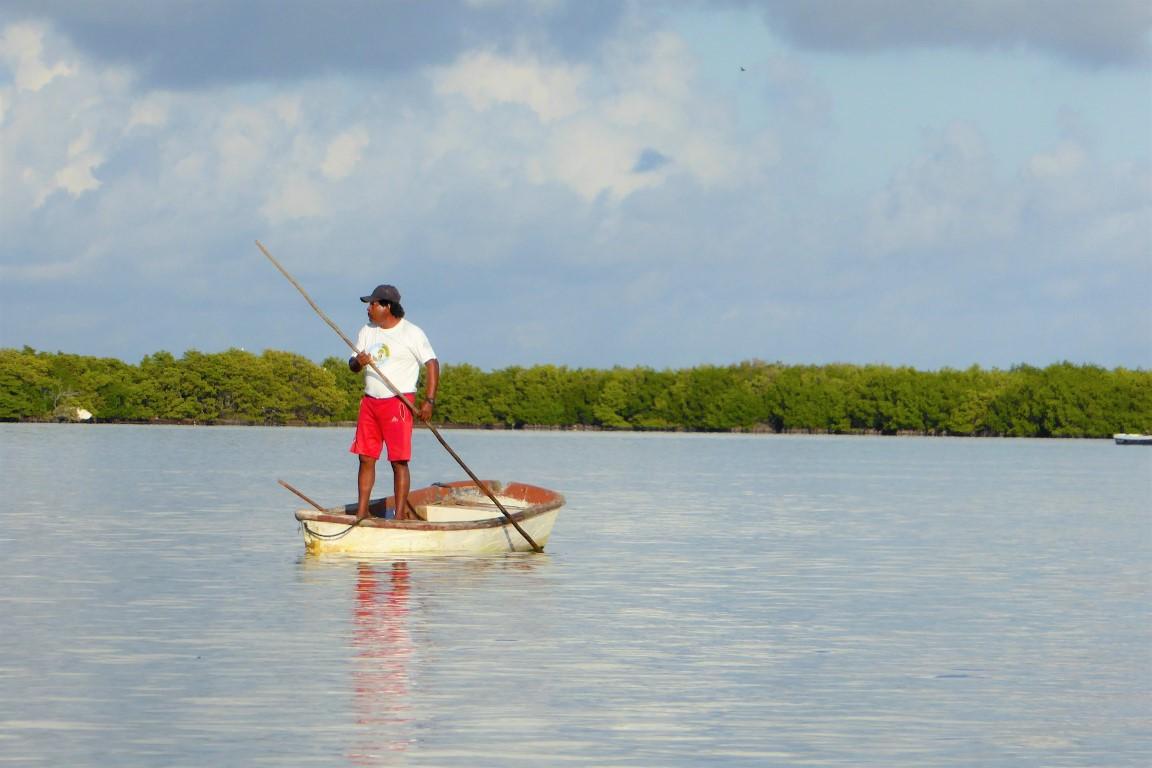 Fischern bei der Arbeit zusehen in Rio Lagartos