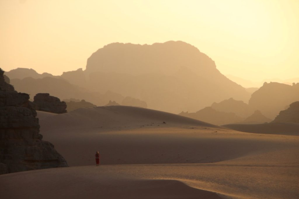 Unendliche Ruhe und Weite in der Wüste